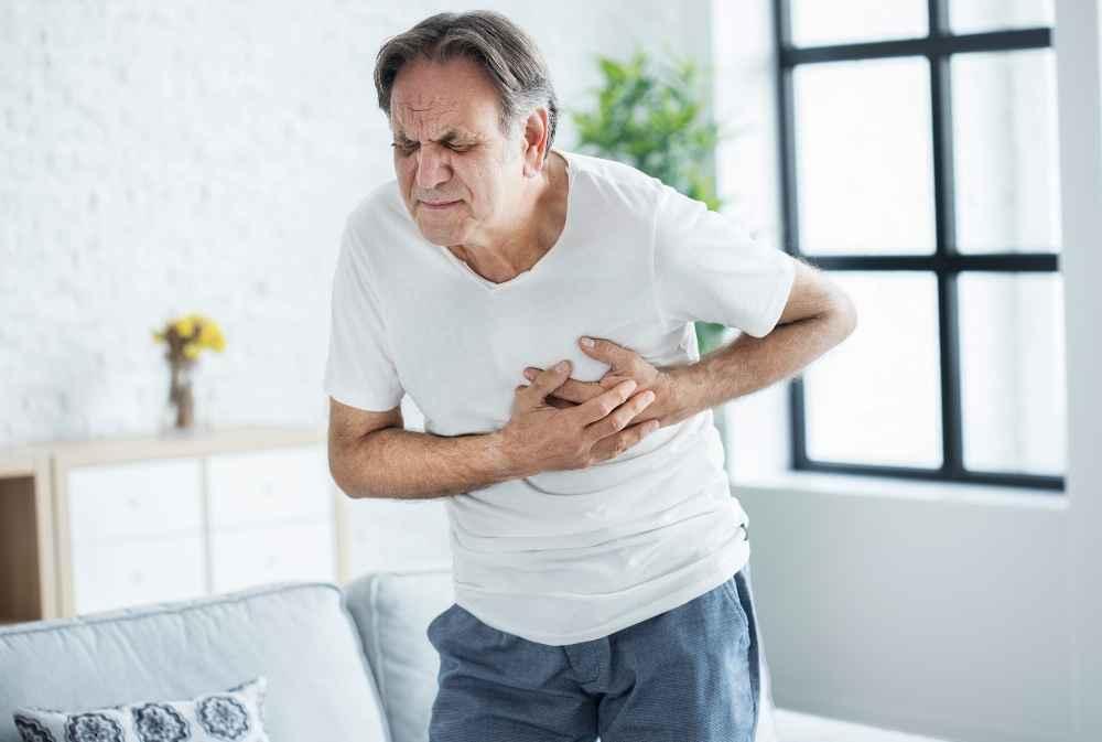 Zawał serca. Jakie są objawy i jak udzielamy pierwszej pomocy